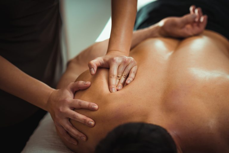 Massage sportif ou deep tissue